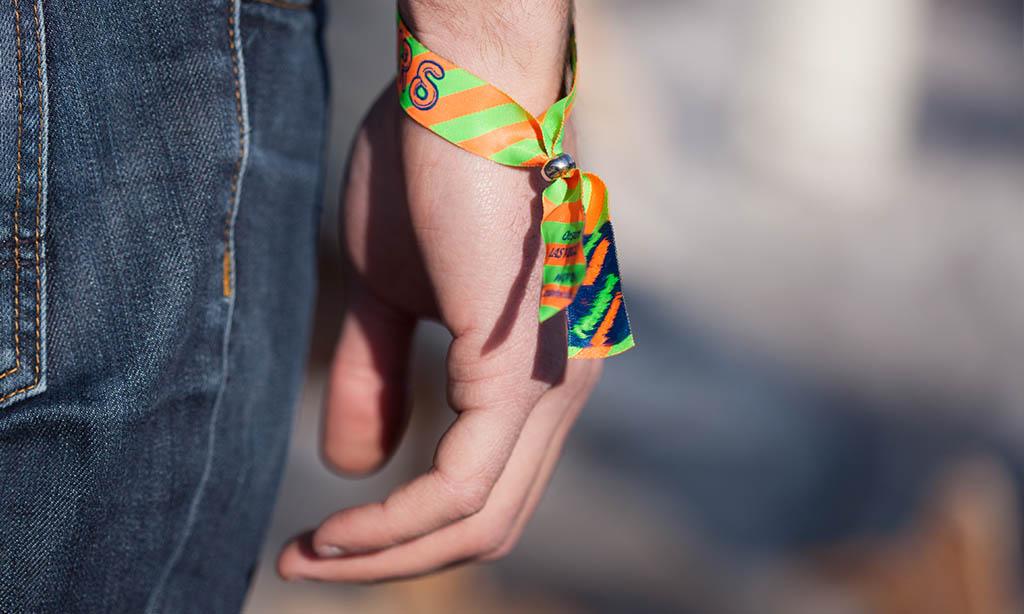 Bracelet en tissu événementiel pour festivals de musique