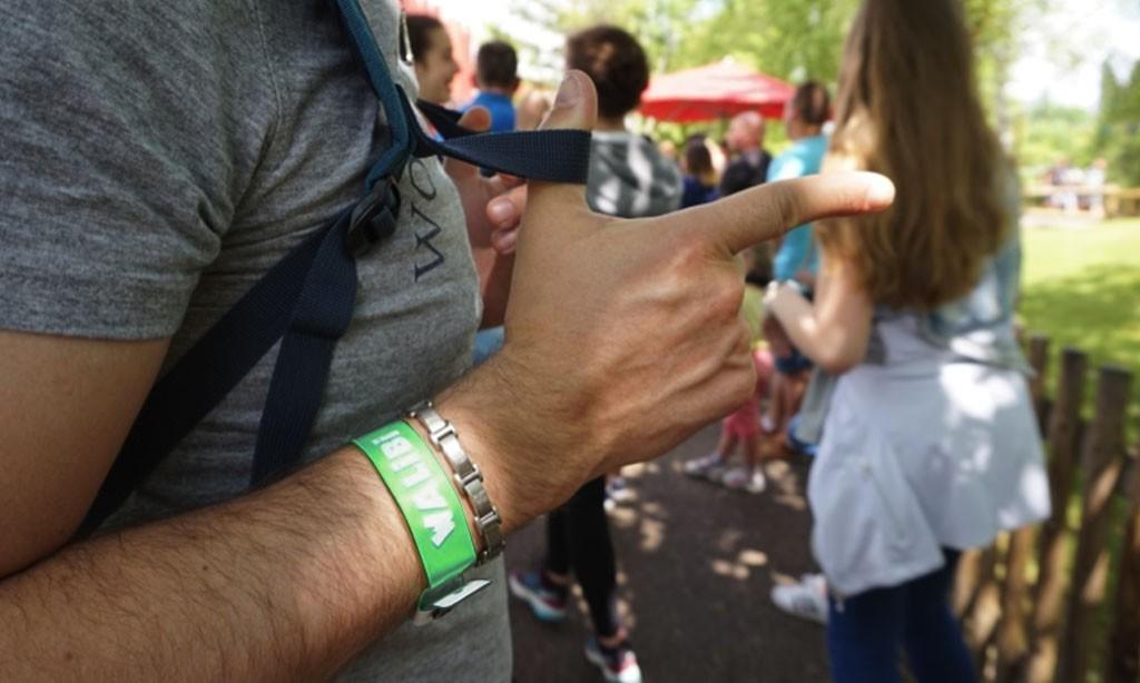 Le bracelet événementiel en Vinyle : Esthétique et Personnalisable !