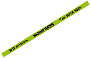 Personnalisation du bracelet tissu pour le Vélo vert festival